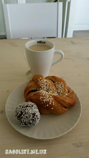 Fika på Systrarnas café, Skövde.